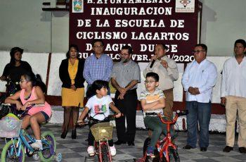 Inaugura Sergio Guzmán Ricárdez escuela de ciclismo en Agua Dulce